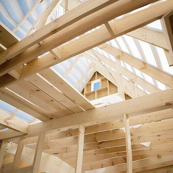 Cómo darle un toque contemporáneo a una tradicional casa de madera
